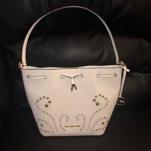 Michael Kors Bucket Bag White